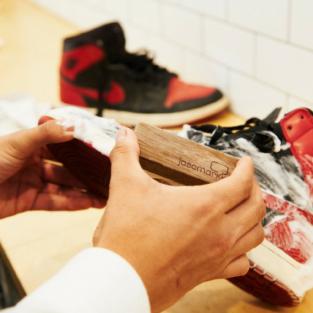 Chăm sóc và vệ sinh giày sneaker: Những kiến thức cơ bản cần nắm vững