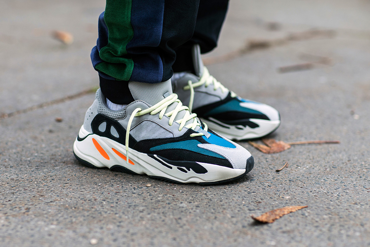 giay the thao - yeezy wave runner 700 - elle man