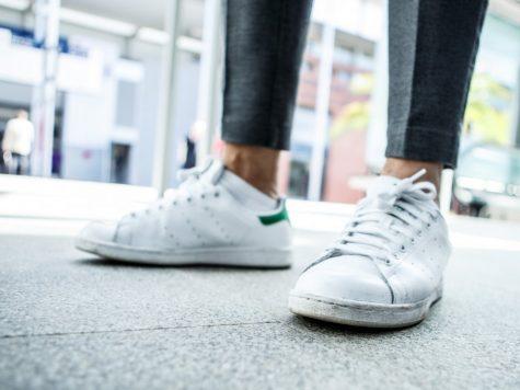 ve sinh giay sneaker - elle man 1