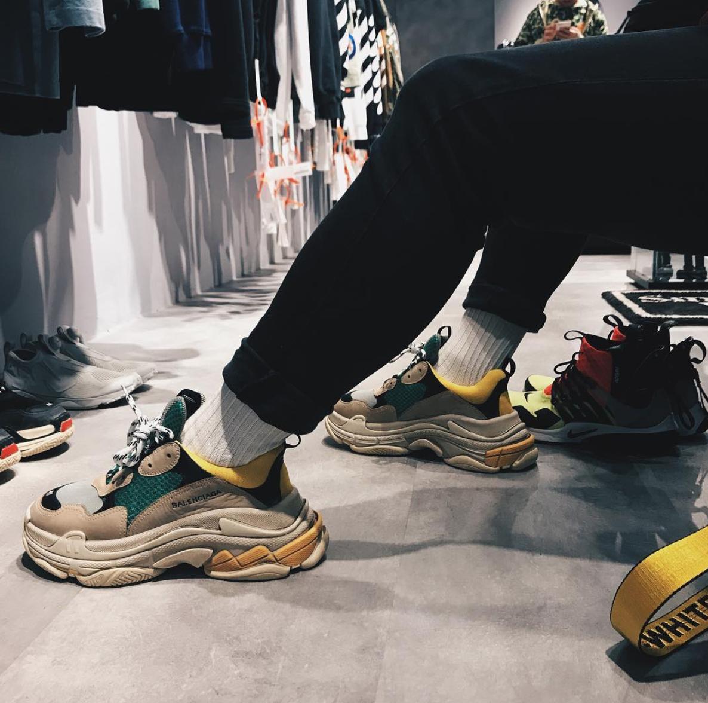 ELLE Man Style CalendarPhoi giay sneakers Balenciaga dung dieu 10