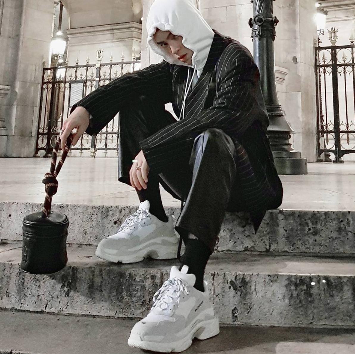 ELLE Man Style CalendarPhoi giay sneakers Balenciaga dung dieu 8