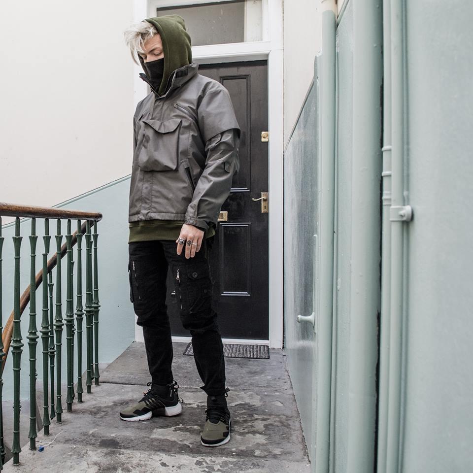 Urban Techwear ngôn ngữ công nghệ trong xu hướng thời trang elle man3