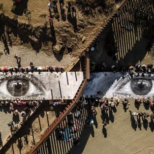 Tác phẩm nghệ thuật độc lạ giữa biên giới Mỹ - Mexico