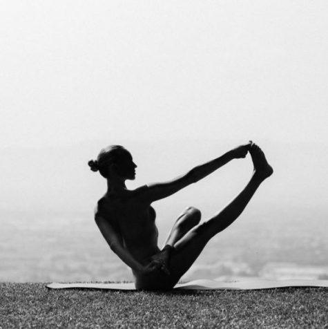 yoga khoa than - elle man 16