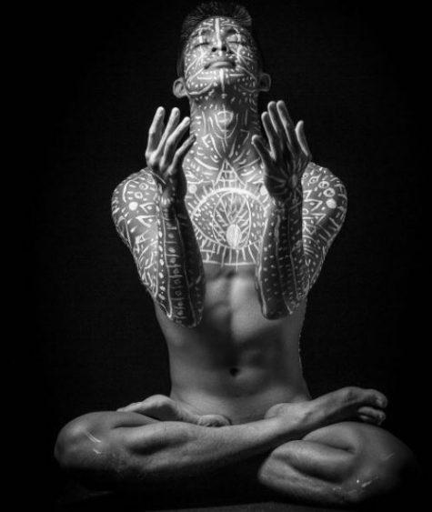 yoga khoa than - elle man 25