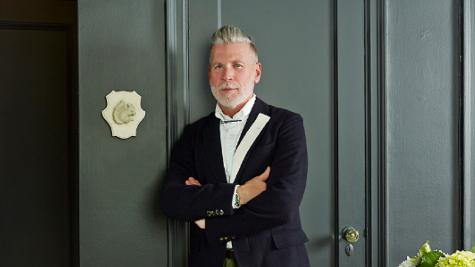 6 thứ không nên nằm trong tủ đồ thời trang của đàn ông trung niên