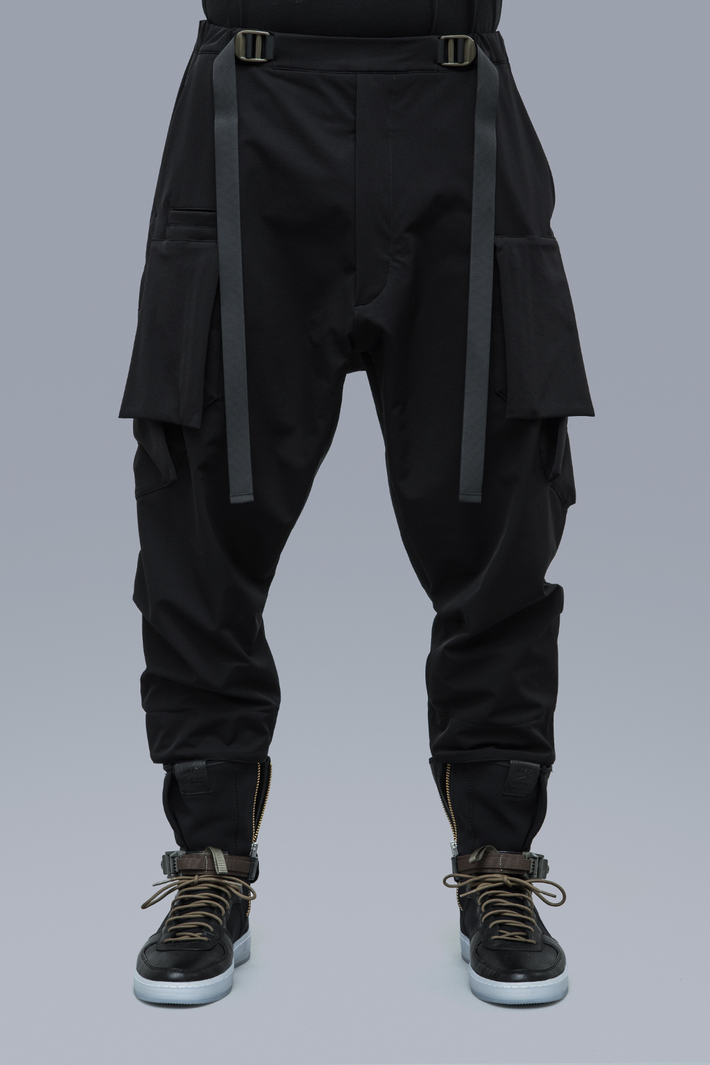 3 thương hiệu xây dựng nên xu hướng thời trang Urban Techwear elle man4
