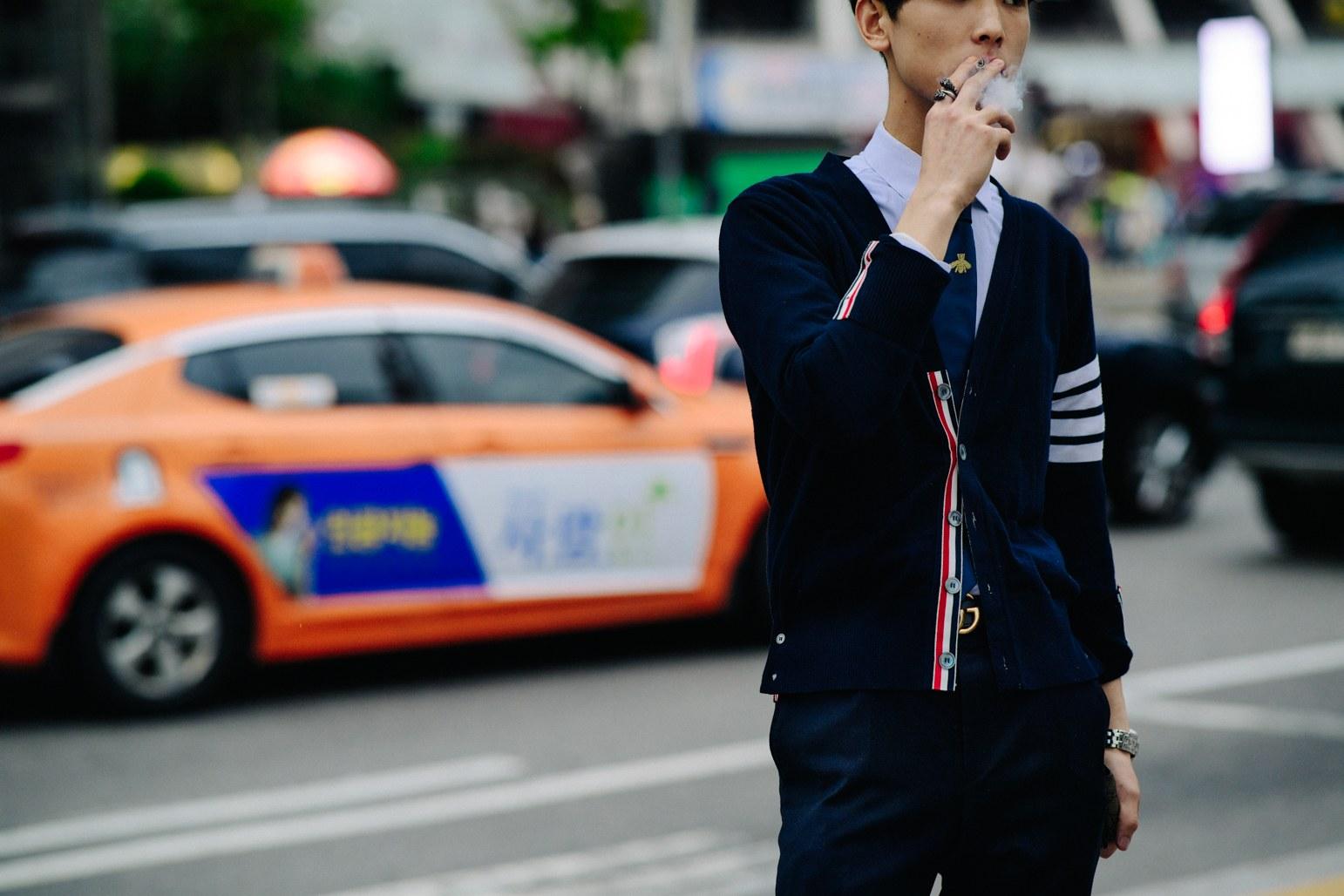 Cac street style look tuyet dep tai Seoul Fashion Week Xuan He 2018 1