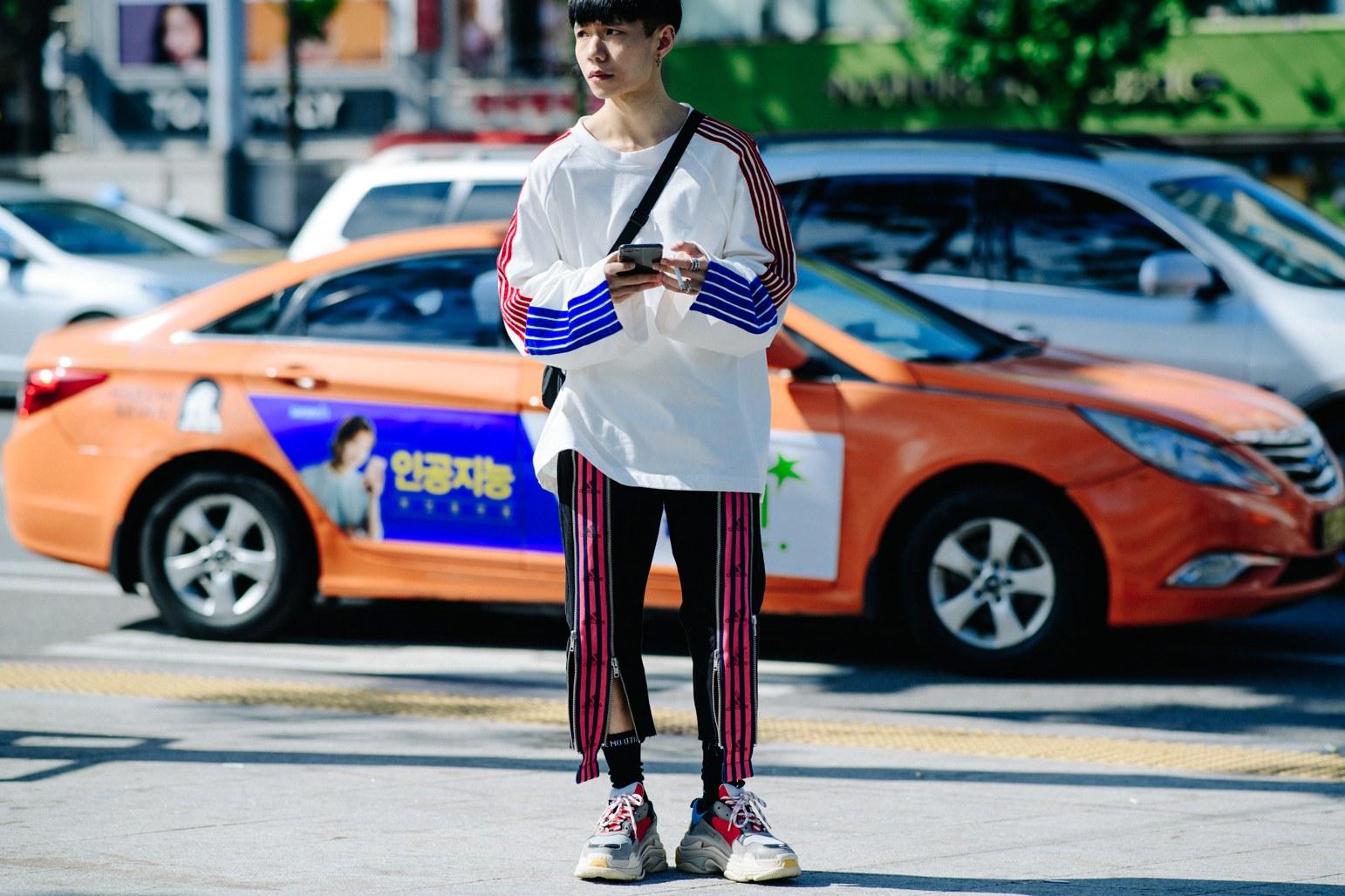 Cac street style look tuyet dep tai Seoul Fashion Week Xuan He 2018 3