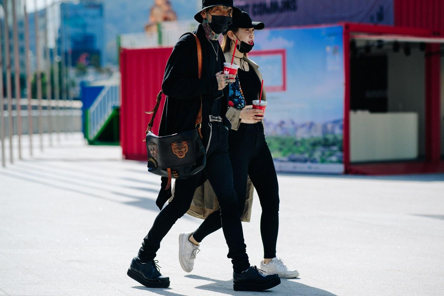 Cac street style look tuyet dep tai Seoul Fashion Week Xuan He 2018 4