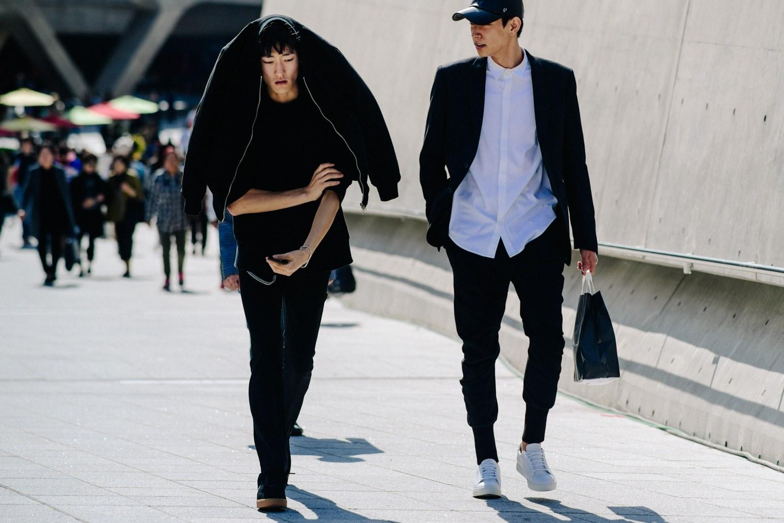 Cac street style look tuyet dep tai Seoul Fashion Week Xuan He 2018 5