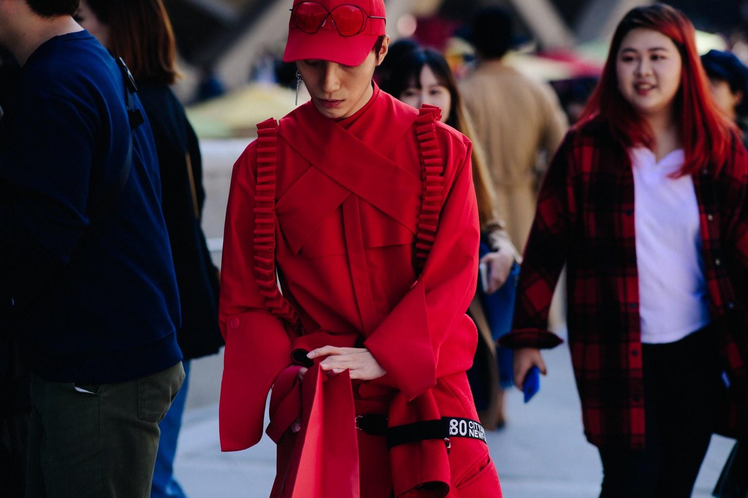 Cac street style look tuyet dep tai Seoul Fashion Week Xuan He 2018 7