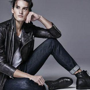 Kiểu giày nào phù hợp cho từng phong cách quần jeans nam?
