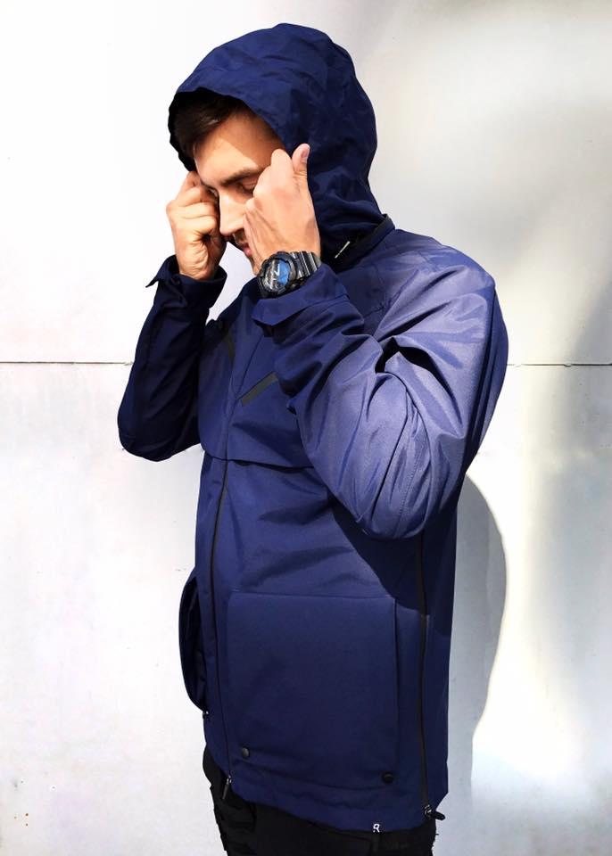 Tạo phong cách thời trang urban techwear với 5 thương hiệu bình dân- elle man14