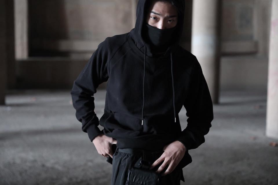Tạo phong cách thời trang urban techwear với 5 thương hiệu bình dân- elle man214