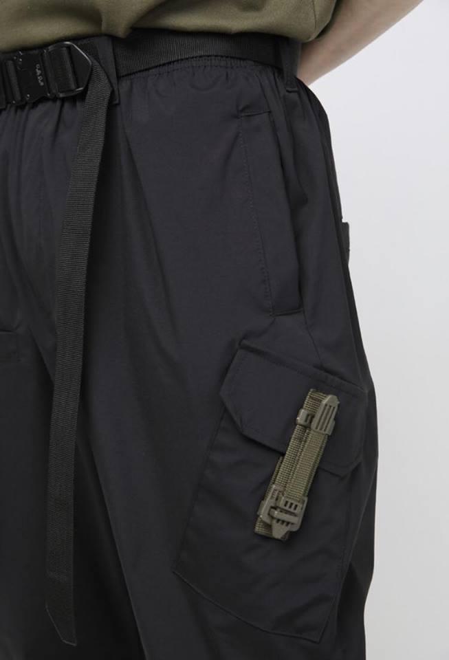 Tạo phong cách thời trang urban techwear với 5 thương hiệu bình dân- elle man28