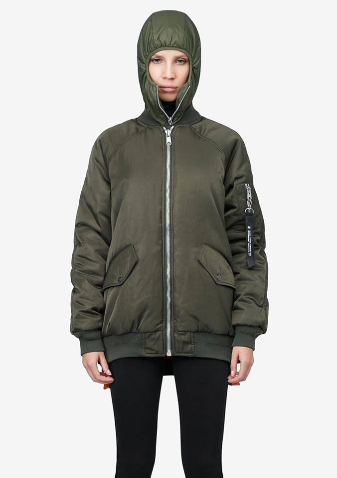 Tạo phong cách thời trang urban techwear với 5 thương hiệu bình dân- elle man33