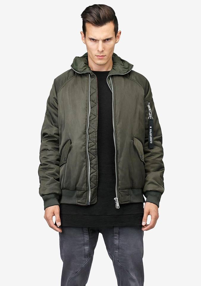 Tạo phong cách thời trang urban techwear với 5 thương hiệu bình dân- elle man34