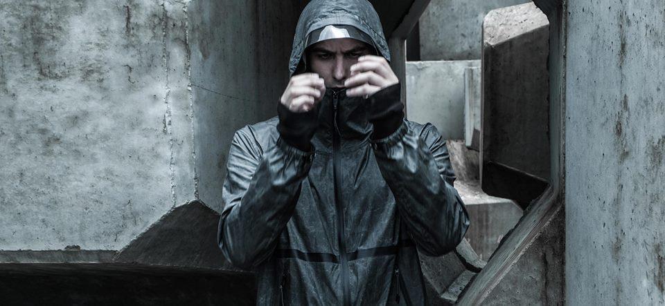Tạo phong cách thời trang urban techwear với 5 thương hiệu bình dân- elle man38