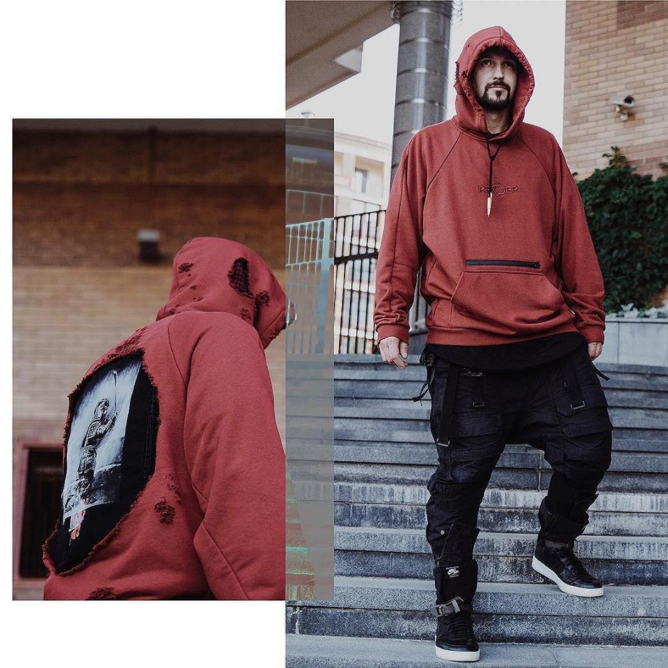 Tạo phong cách thời trang urban techwear với 5 thương hiệu bình dân- elle man4