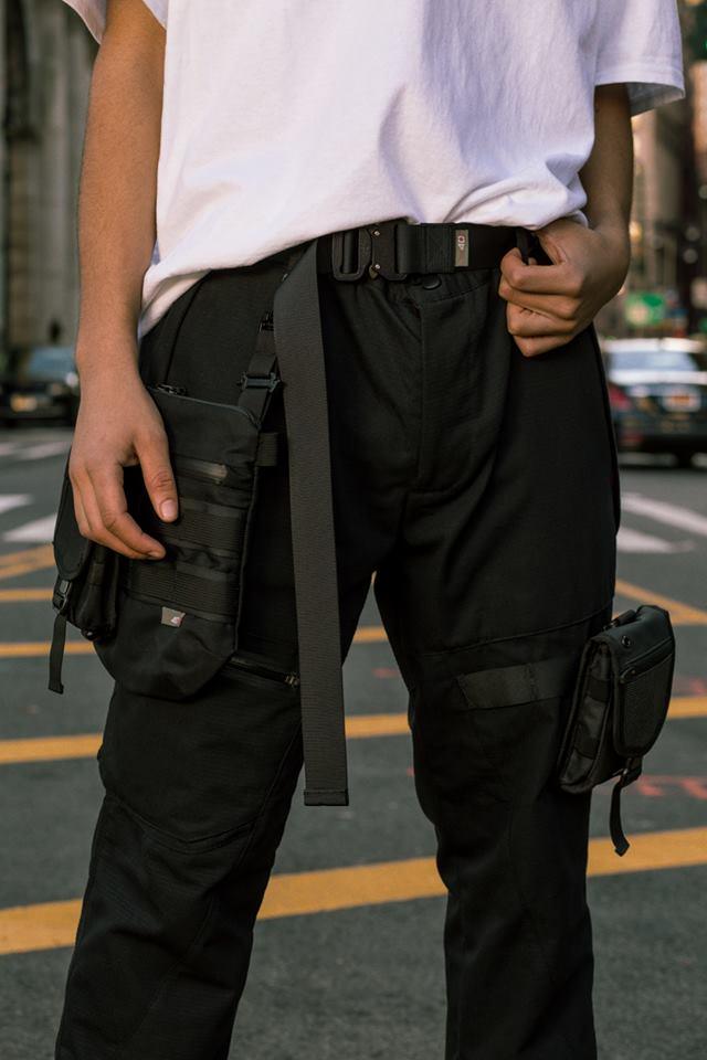 Tạo phong cách thời trang urban techwear với 5 thương hiệu bình dân- elle man41