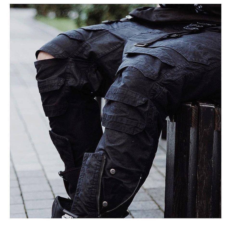 Tạo phong cách thời trang urban techwear với 5 thương hiệu bình dân- elle man5