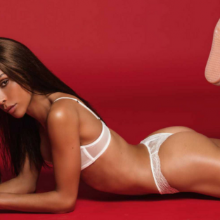Ines Rau - Người đẹp chuyển giới đầu tiên của Playboy