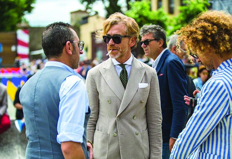 Học cách phối đồ chuẩn bị cho sự trở lại của suit/ áo blazer hai hàng nút