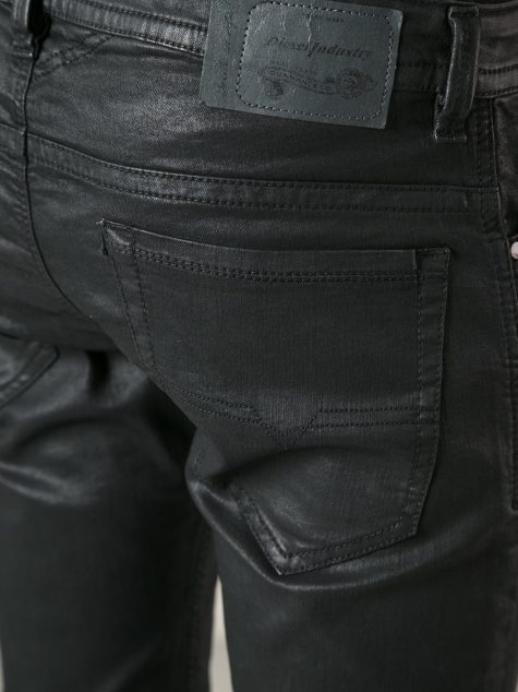 quan jeans nam - waxed denim - elle man 1