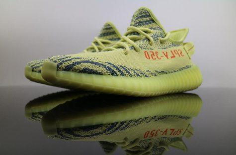 giay the thao dep thang 11 - adidas YEEZY BOOST 350 V2 Semi Frozen Yellow - elle man 1