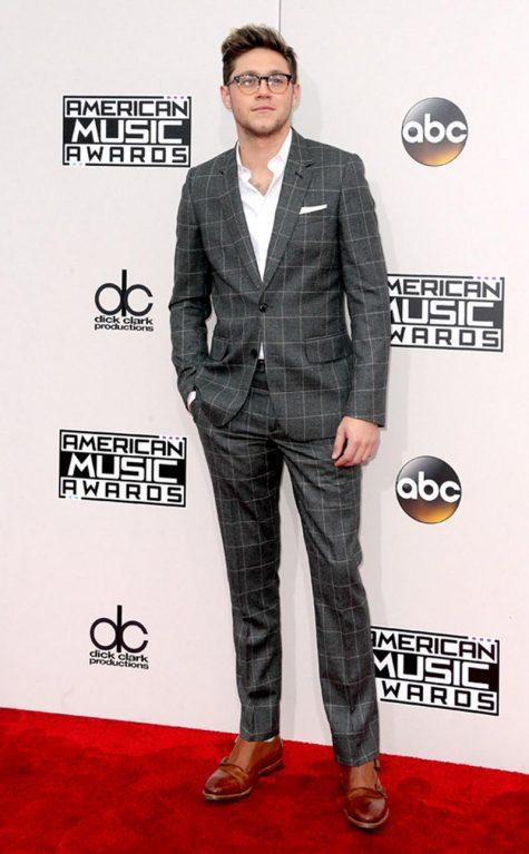 Phong cách thời trang của các sao nam trong lễ trao giải AMAs 2017