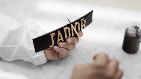 """Thương hiệu Dior dẫn """"Top"""" danh sách Year in Review 2017 của Instagram"""