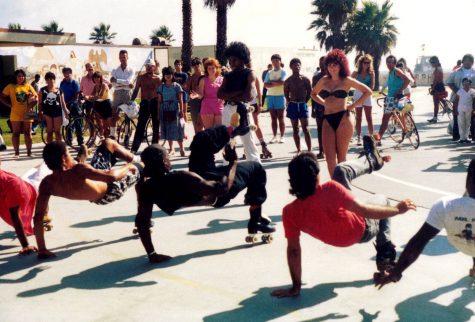 Âm nhạc và thời trang Hip Hop, chỉ là một trào lưu hay là nền văn hóa ảnh hưởng mạnh mẽ đến thời trang