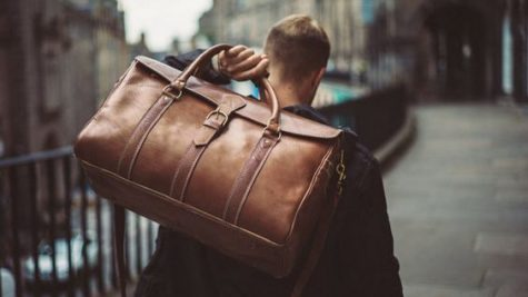 10 mẫu túi xách nam phù hợp cho đi du lịch và đi làm