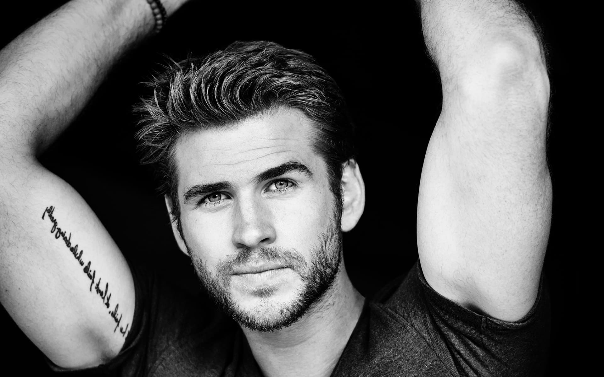 liam-hemsworth-chang-trai-da-than-phan1-elleman