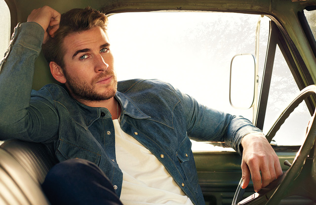 liam-hemsworth-chang-trai-da-than-phan5-elleman