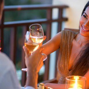 ''Công thức bếp núc'' nào làm nên một cuộc hẹn hò tại nhà hoàn hảo?