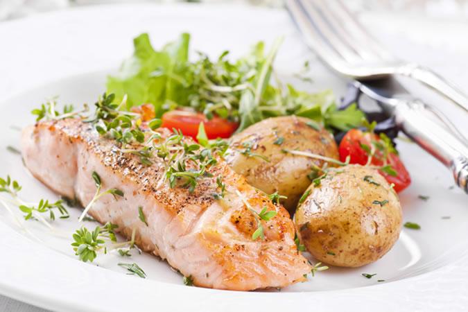 cuoc-hen-ho-mon-ca-phi-le-ELLE-Man ''Công thức bếp núc'' nào làm nên một cuộc hẹn hò tại nhà hoàn hảo?