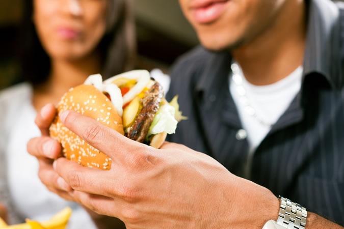 cuoc-hen-ho-tranh-xa-sandwich-ELLE-Man ''Công thức bếp núc'' nào làm nên một cuộc hẹn hò tại nhà hoàn hảo?