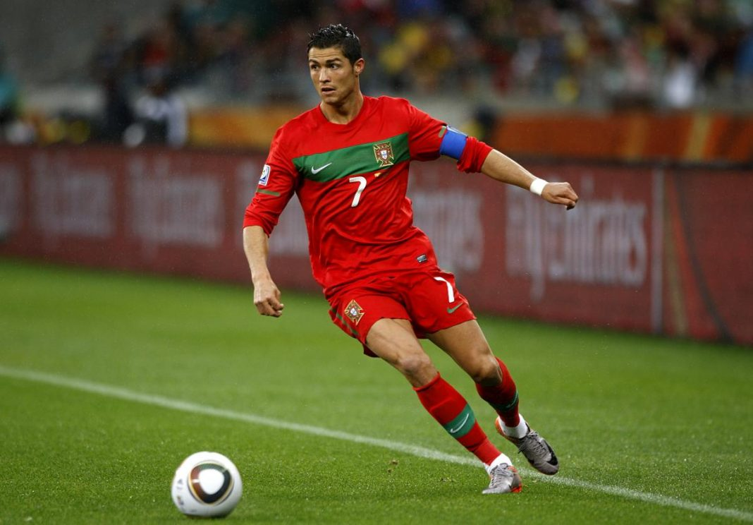 Cristiano Ronaldo - ELLE Man 4