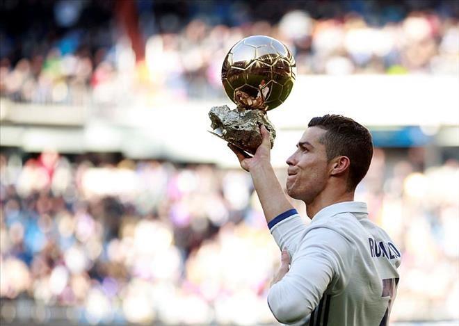 Cristiano Ronaldo - ELLE Man 6