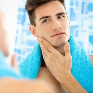 Các bước chăm sóc da dầu cho chàng vào buổi sáng