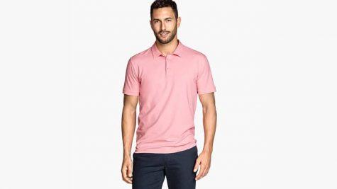 Phối hợp với quần đậm màu sẽ làm bạn trở nên đẹp hơn
