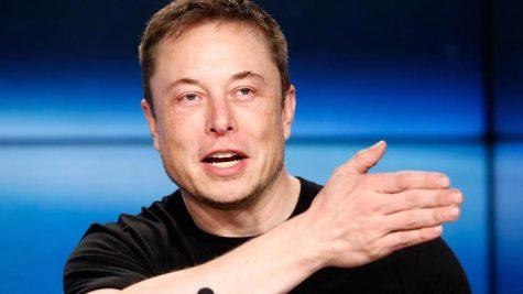 """Elon Musk """"cười nhạo"""" taxi bay của Uber"""