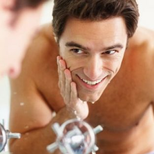 5 bước chăm sóc da khô buổi tối cho các chàng