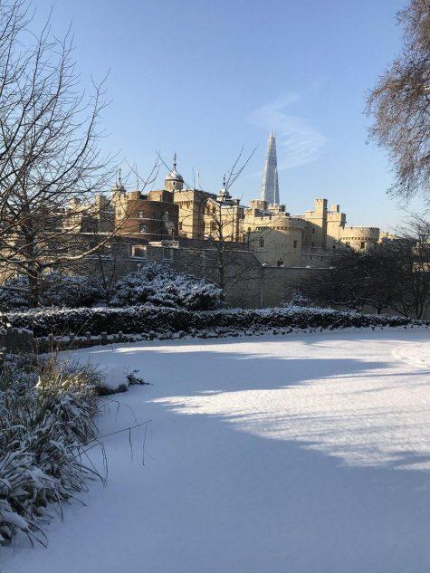 Tháp London nhìn lộng lẫy trong màn tuyết