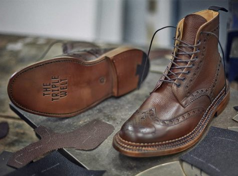 [Image: boots-nam-gioi-elle-man-1-475x352.jpg]