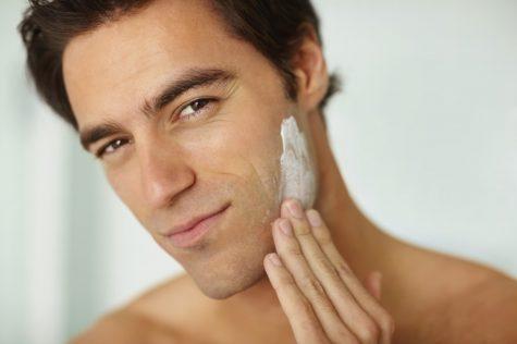 Kem chống nằng giúp bảo vệ da tối ưu dưới ánh mặt trời. Photo: Clevie