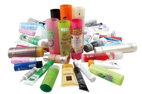 Các sản phẩm dưỡng trắng hay dưỡng ẩm trong thời tiết nay cũng sẽ trở nên vô dụng. Photo: Quadme