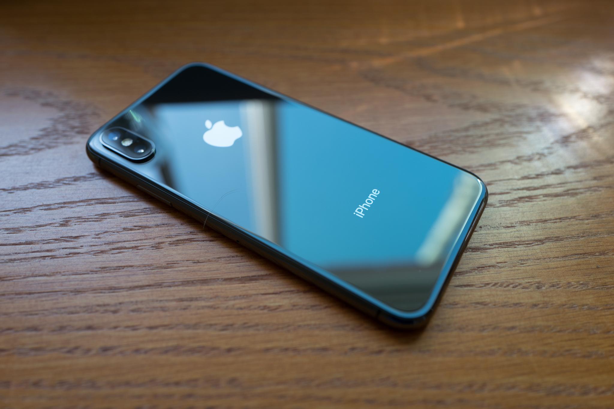 điện thoại iphone - source Beta News elle man 3